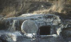 24-empty-tomb